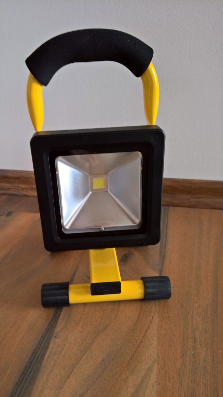 nur ein kleines Licht [Baustrahler von Mopilot (5 von 5)] im Produkttest