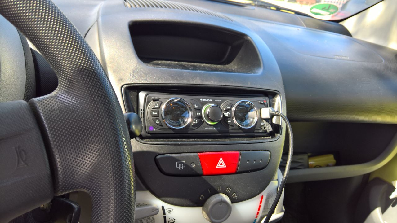 Update: Jetzt mit Video   neues Autoradio [Test des Auna MD 160 BT (4,5 von 5)] im Produkttest